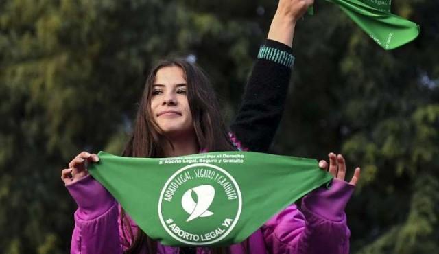 Argentina: media sanción a la despenalización del aborto