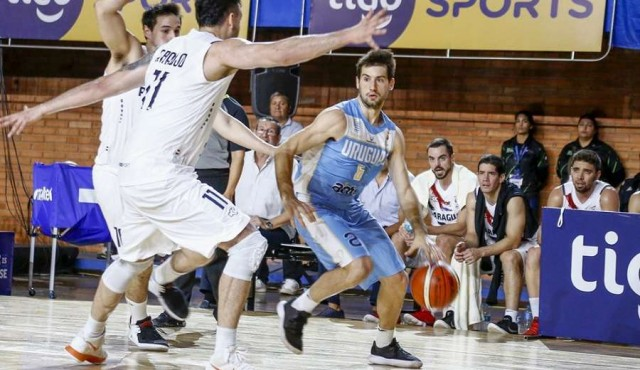 Uruguay le ganó a Paraguay en Asunción