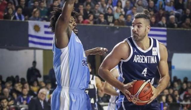Argentina aplastó a Uruguay en el Palacio Peñarol
