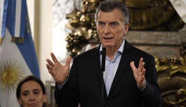 Macri congela contrataciones en la administración pública