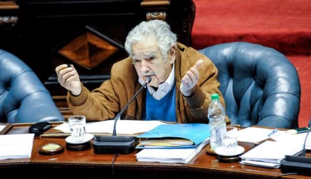 """Mujica: """"No puedo discutir políticamente con mis tripas, no voy a ser candidato"""""""