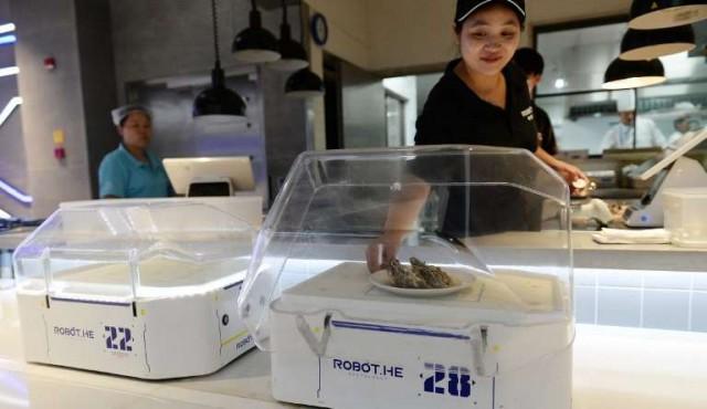 China experimenta el robot-mozo