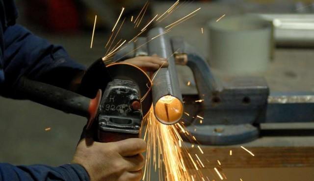 Industria, sin refinería, cayó 2,9% hasta setiembre