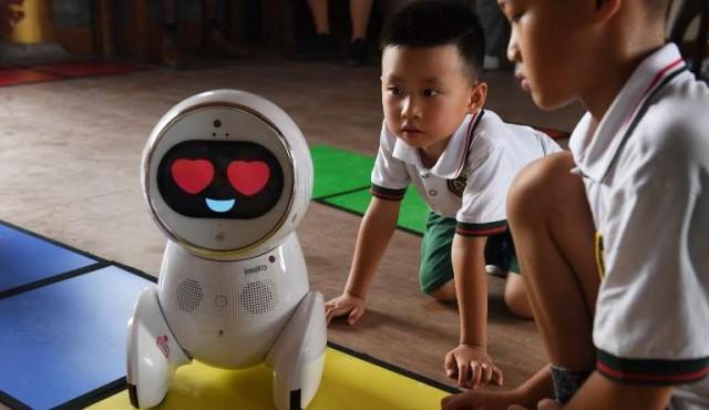 Los robots llegaron a las escuelas infantiles chinas
