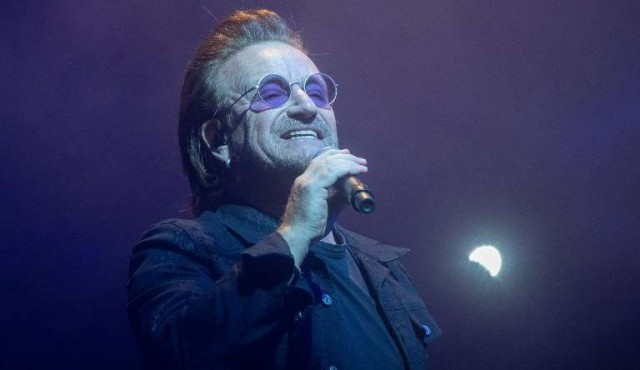 Bono debió suspender un concierto por pérdida de la voz