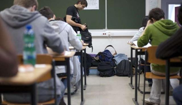 """""""Salir adelante"""", apoyo a liceales en tiempos de pandemia"""