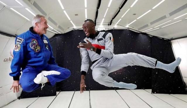 Usain Bolt corrió en un avión sin gravedad
