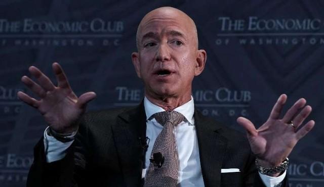 El hombre más rico del mundo donará 2.000 millones de dólares para educar a niños pobres