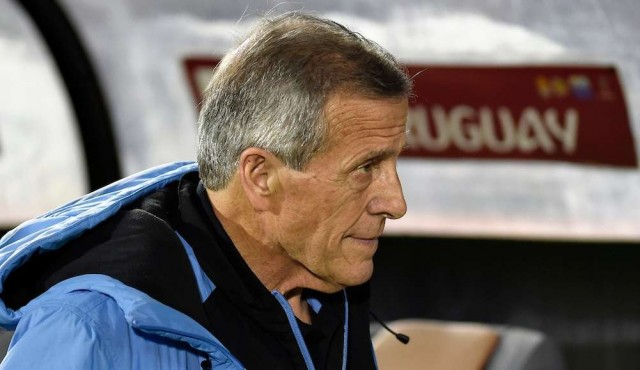 Tabárez renovó su contrato hasta Catar 2022