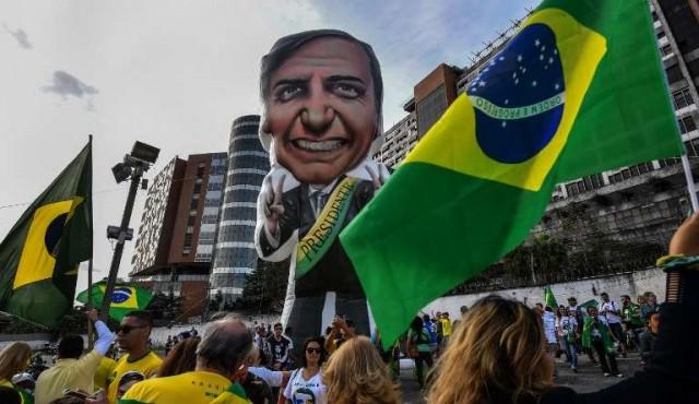 Las redes sociales impulsan la campaña de Bolsonaro