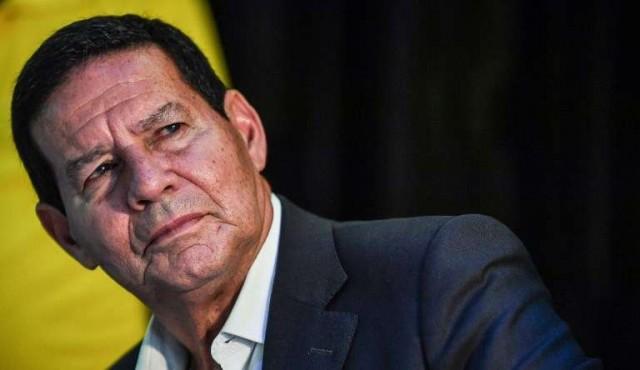 """Vice de Bolsonaro habló de """"blanqueo de la raza"""" al elogiar a su nieto"""