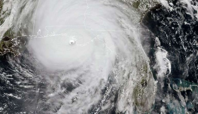 """El """"histórico"""" huracán Michael golpea Florida"""