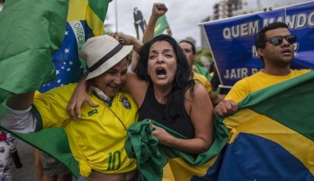 Denuncian violencia contra electores de izquierda en Brasil