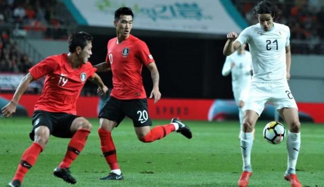 Uruguay cae 2-1 ante Corea en Seúl