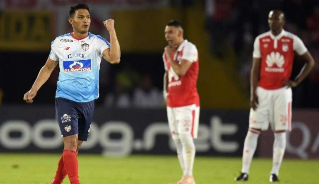 Junior y Paranaense ganan 2-0 y se perfilan como finalistas de la Sudamericana