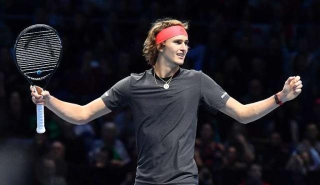 Zverev sorprende a Federer y retará a Djokovic en la final del Masters