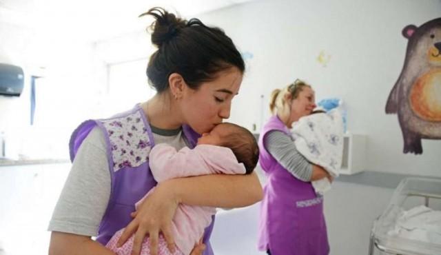 """Fundación Canguro: """"nutrición afectiva"""" con """"impacto en lo biológico"""""""