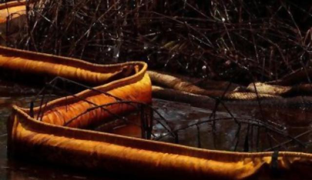 Explota otra plataforma petrolera en el golfo de México
