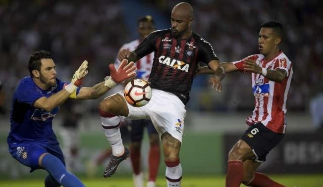 Junior y Paranaense empataron 1-1 en la primera final de la Copa Sudamericana