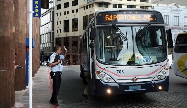 """La incapacidad del sistema de transporte de Montevideo para crear una """"visión de futuro"""""""