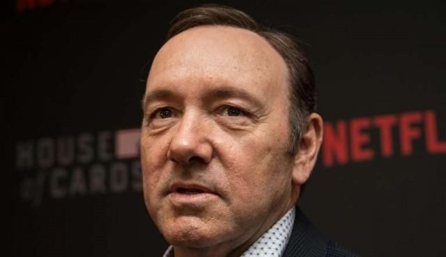 Kevin Spacey encara primera acusación por abuso sexual