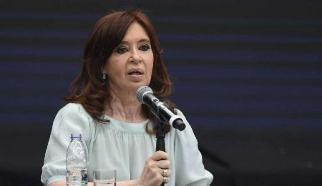 Cristina Kirchner demanda a Google por aparecer como ladrona en el buscador