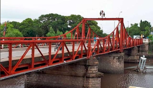 Puente de Carmelo quedó habilitado para circulación de autos y ómnibus