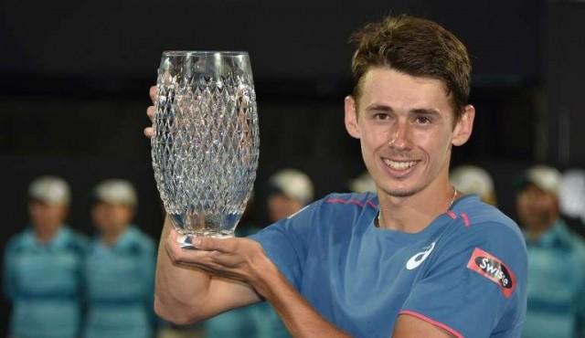 Australiano y de padre uruguayo, la joven promesa De Miñaur logró su primer título ATP