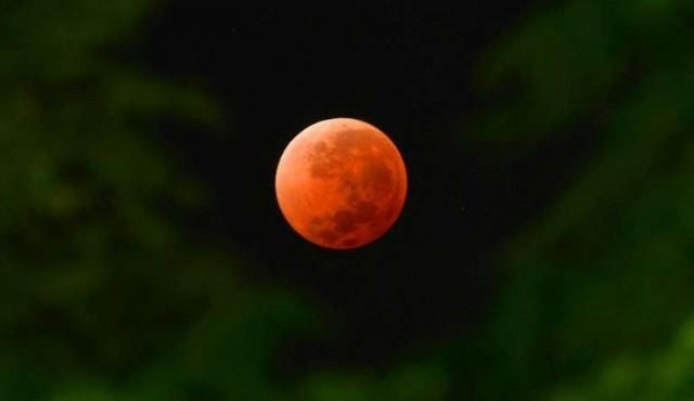 Un supereclipse de luna para comenzar la semana