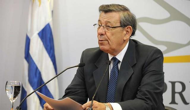"""Uruguay firma llamado a elecciones creíbles """"en el menor plazo posible"""" en Venezuela"""