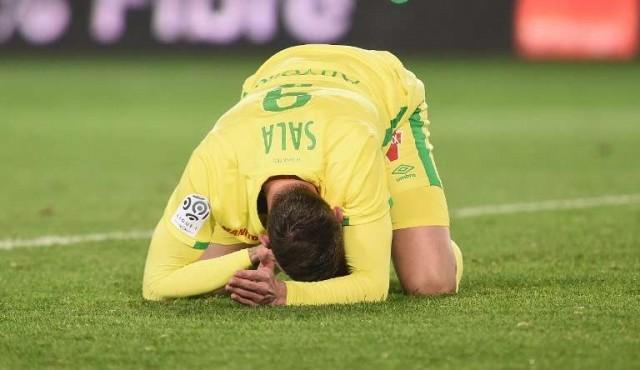 """El fútbol rinde homenaje a Sala mientras su familia """"comienza el duelo"""""""