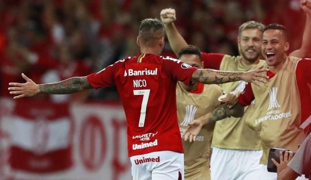 Doblete de Nico López para Internacional ante Alianza Lima