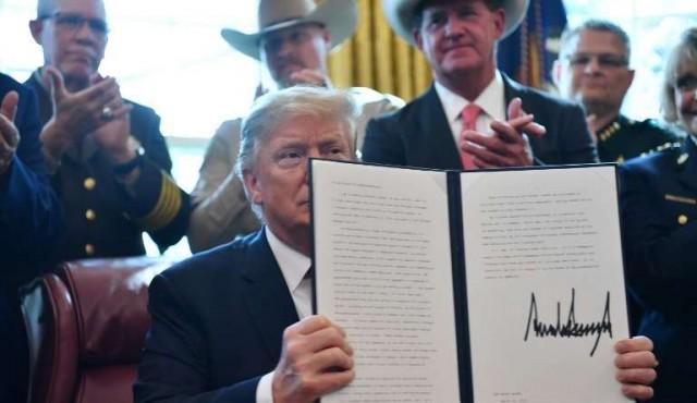 Trump usó su primer veto para cumplir con su promesa de campaña de construir el muro