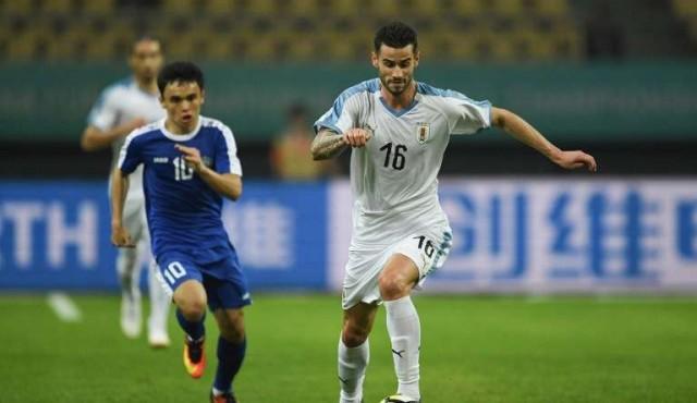 Uruguay derrotó sin complicaciones a Uzbekistán