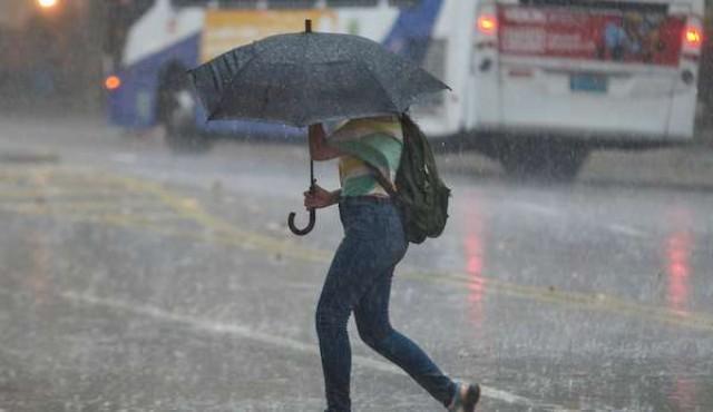 Advertencia naranaja en casi todo el país por tormentas y lluvias