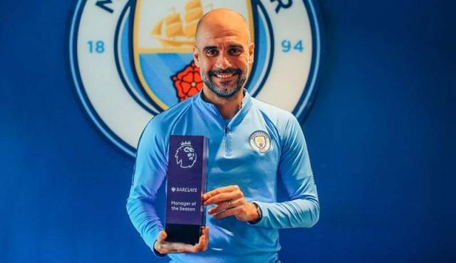 Guardiola le ganó a Klopp y Pochettino como mejor entrenador del año en Inglaterra