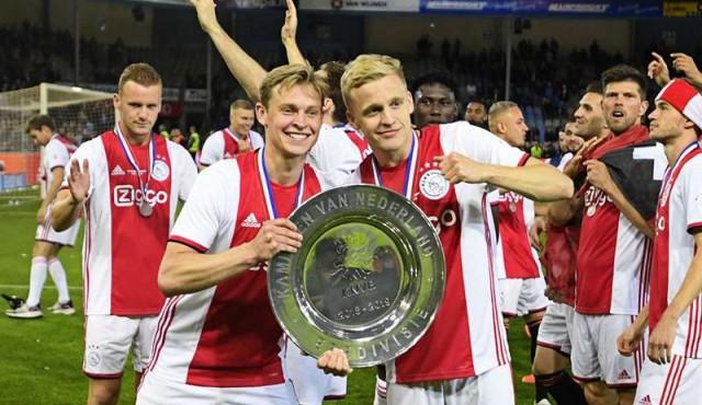 Ajax se consuela de su decepción europea con su 34º título de liga