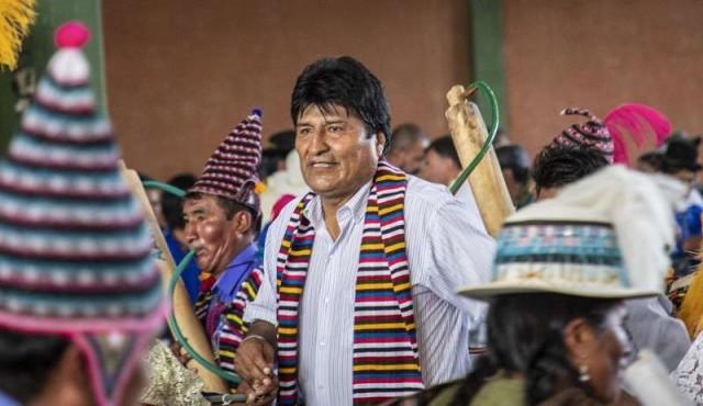 Morales arranca su campaña electoral con promesas a bolivianos y críticas a EE.UU