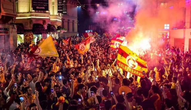 Muslera levantó su quinto título de liga con el Galatasaray
