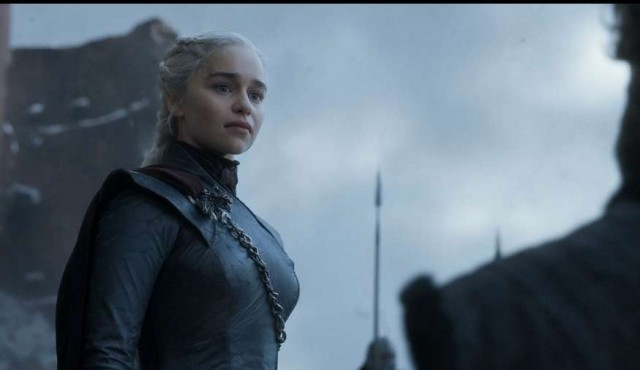 """Emilia Clarke quedó """"estupefacta"""" tras conocer el desenlace de su personaje"""