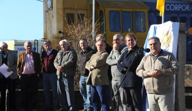 """Un ferrocarril para llevar """"trabajo digno"""" al centro del país"""