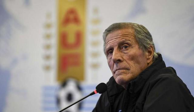 Tabárez espera recuperar a Suárez para la Copa América