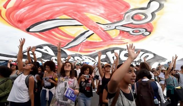 """Expectativa sindical de """"gran huelga"""" este viernes en Brasil"""