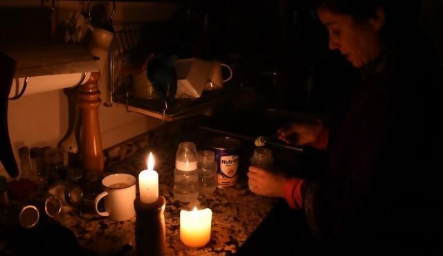 UTE restablece servicio eléctrico tras apagón que dejó el país sin luz