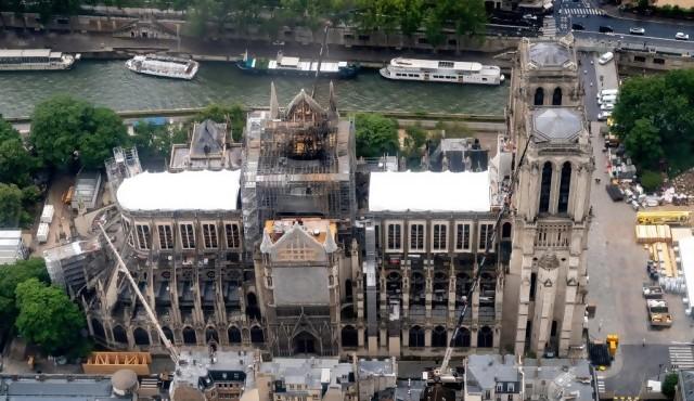 Incendio en Notre Dame: cigarrillo mal apagado o un cortocircuito