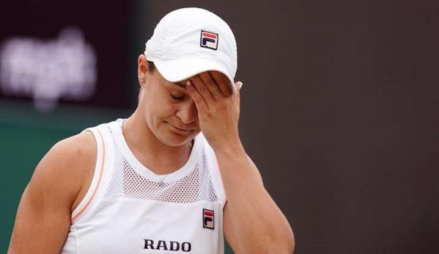 """Ruedan cabezas en el """"lunes demencial"""" de Wimbledon"""