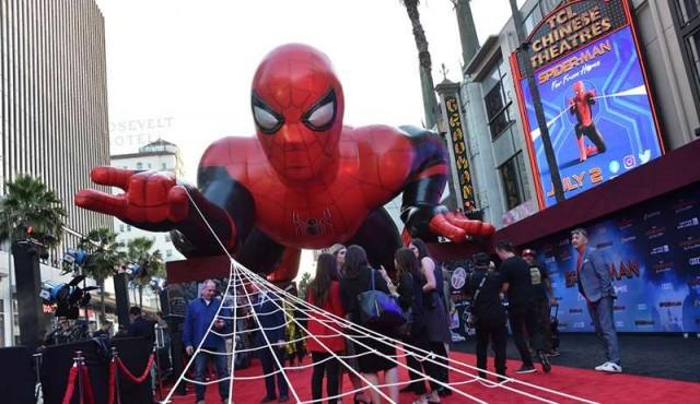 """Spider-Man"" trepa a la punta de la taquilla de EE.UU."