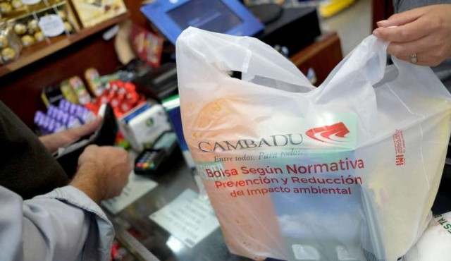 "Dinama controla uso de bolsas plásticas para consolidar ley con ""amplia aprobación"""
