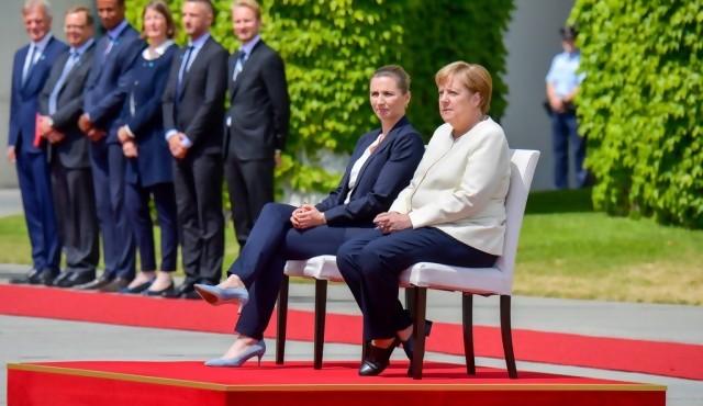 Los temblores de Merkel, un asunto privado para la mayoría de alemanes
