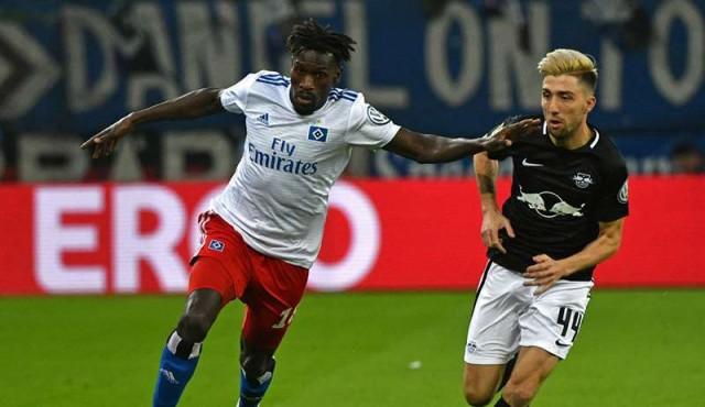Dudas sobre la identidad de un futbolista de Gambia del Hamburgo